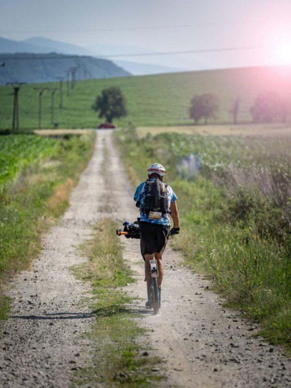 Richard Štěpánek na cestě Slovenskem na závodě 1000 miles
