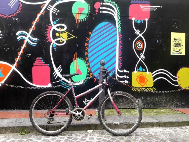 Na kole v Neapoli