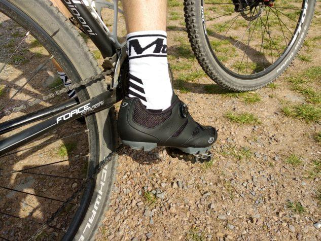 cyklistické tretry Giro Cylinder s ponožkami