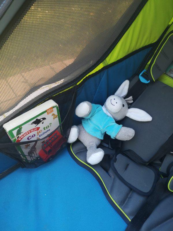 Do malé kapsičky si děti schovají kamaráda i hračky.