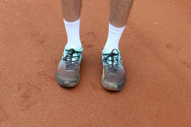 Povedený design je jednou z nejlepších věcí na tenisové obuvi Head Sprint Pro 3.0 Clay.