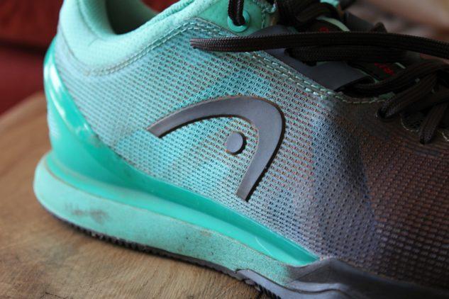 Pásky ve střední části botu lépe utáhnou.