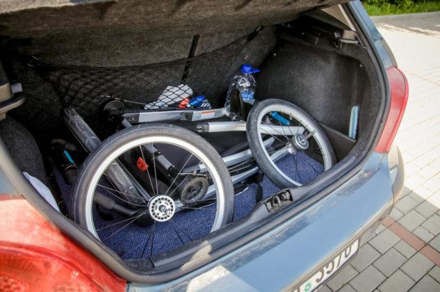 Thule Glide 2 v kufru auta