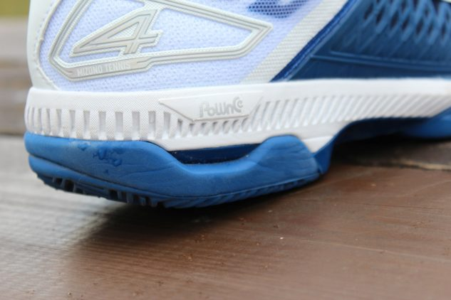 Detail paty tenisové obuvi Mizuno Wave Exceed Tour 4 CC