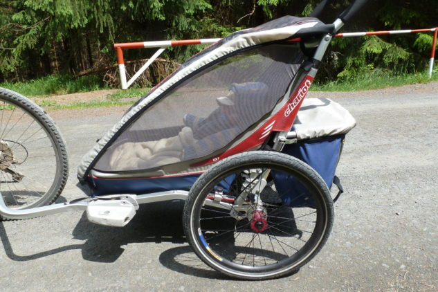 Dítě si ve vozíku spokojeně hoví a vy si můžete střihnout i celodenní výlet