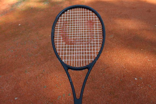 Pohled na hlavu tenisové rakety Wilson Pro Staff RF 97 v13.