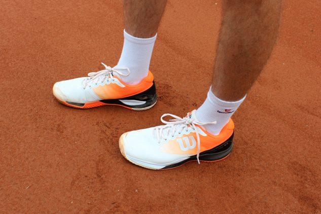 Wilson Rush Pro 3.0 Clay sedí k antuce díky designu ve stylu Roland Garros.