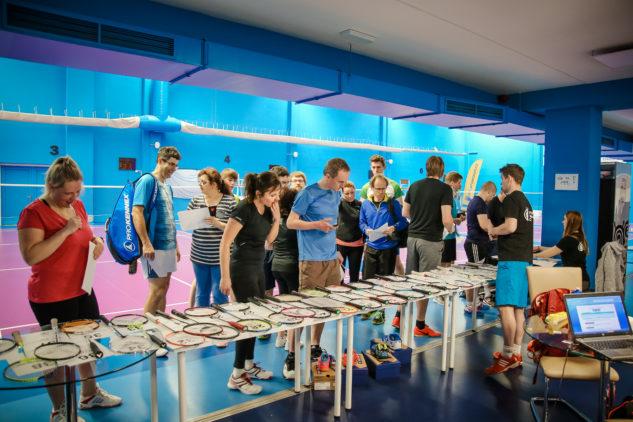Na testování badmintonových raket jste si vybírali ze 44 modelů od Yonexu a Victoru