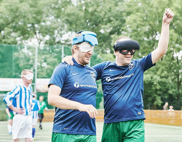 football-blind-avoy