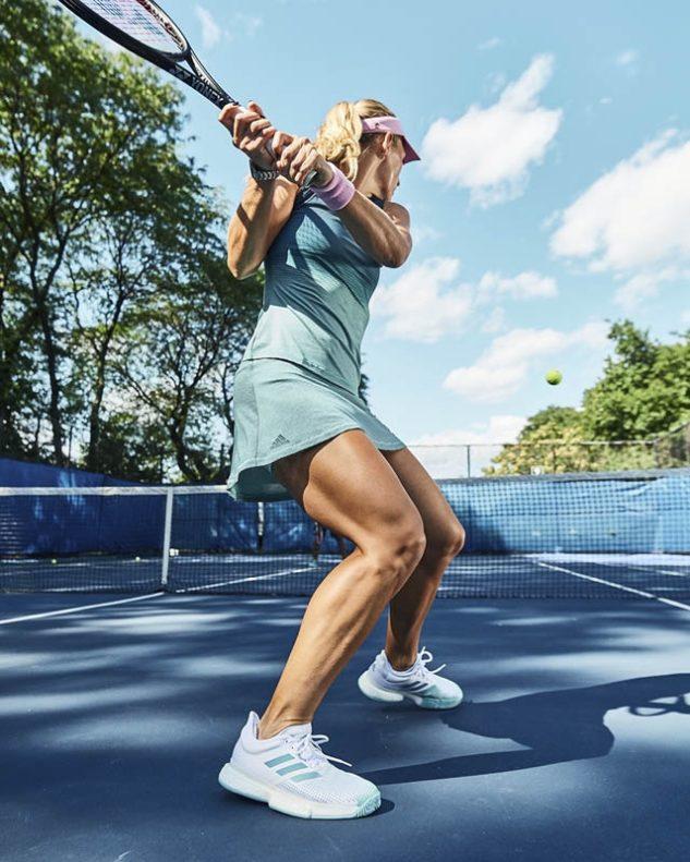 Světová dvojka Angelique Kerber oblékala dámský set adidas Parley Tank Navy/Blue