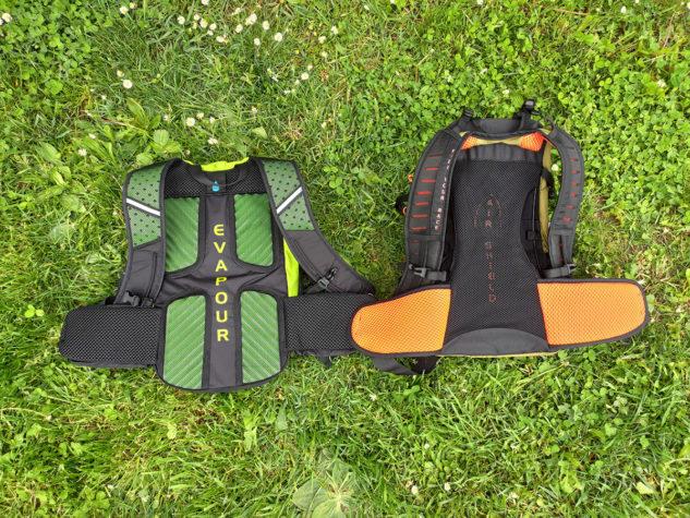 Vlevo Rock Leader 9, vpravo Trail Star 12L – zádové systémy vedle sebe pro porovnání