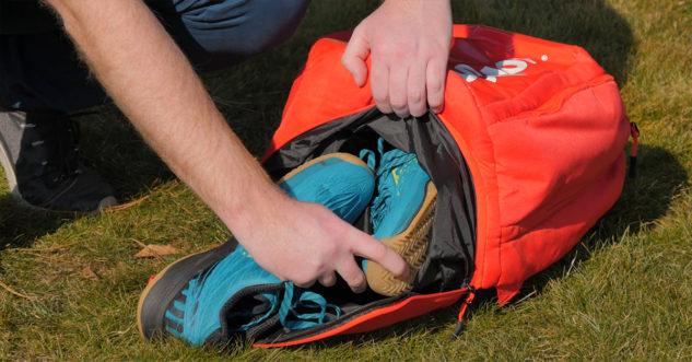 Batoh Wilson Super Tour Backpack má i oddělenou kapsu na boty
