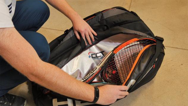Tenisové tašce Alexandera Zvereva nechybí termoochrana.